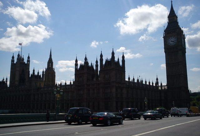 travel, business, internationalHouse of Commons, Big Ben, HoP, Parliament, London, Blue Sky, whispy cloudss